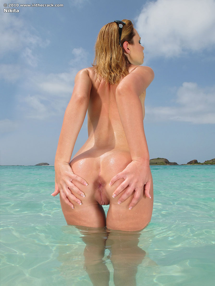 Surfer girl beach nudes