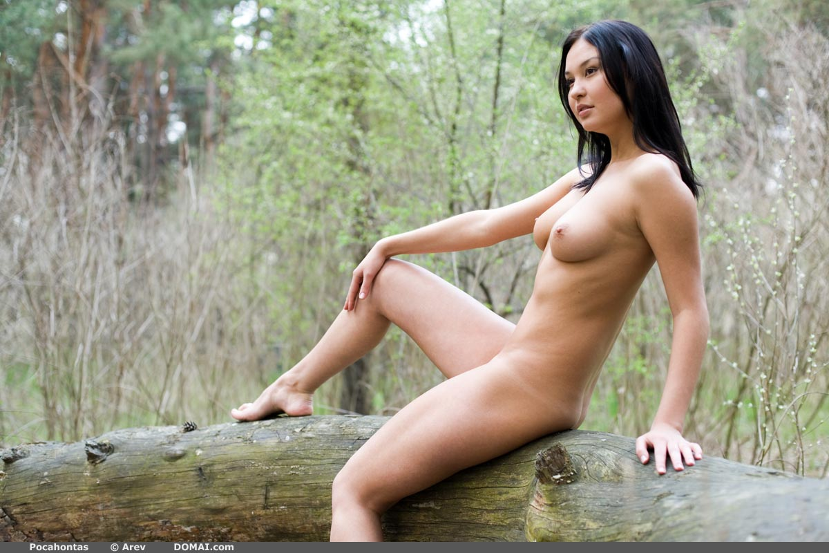 hottest naked girls in the woods