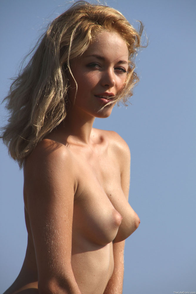 Woman with largest nipples