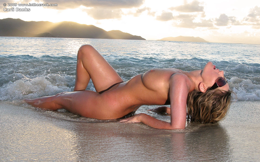 carli banks nude on the beach sexy models