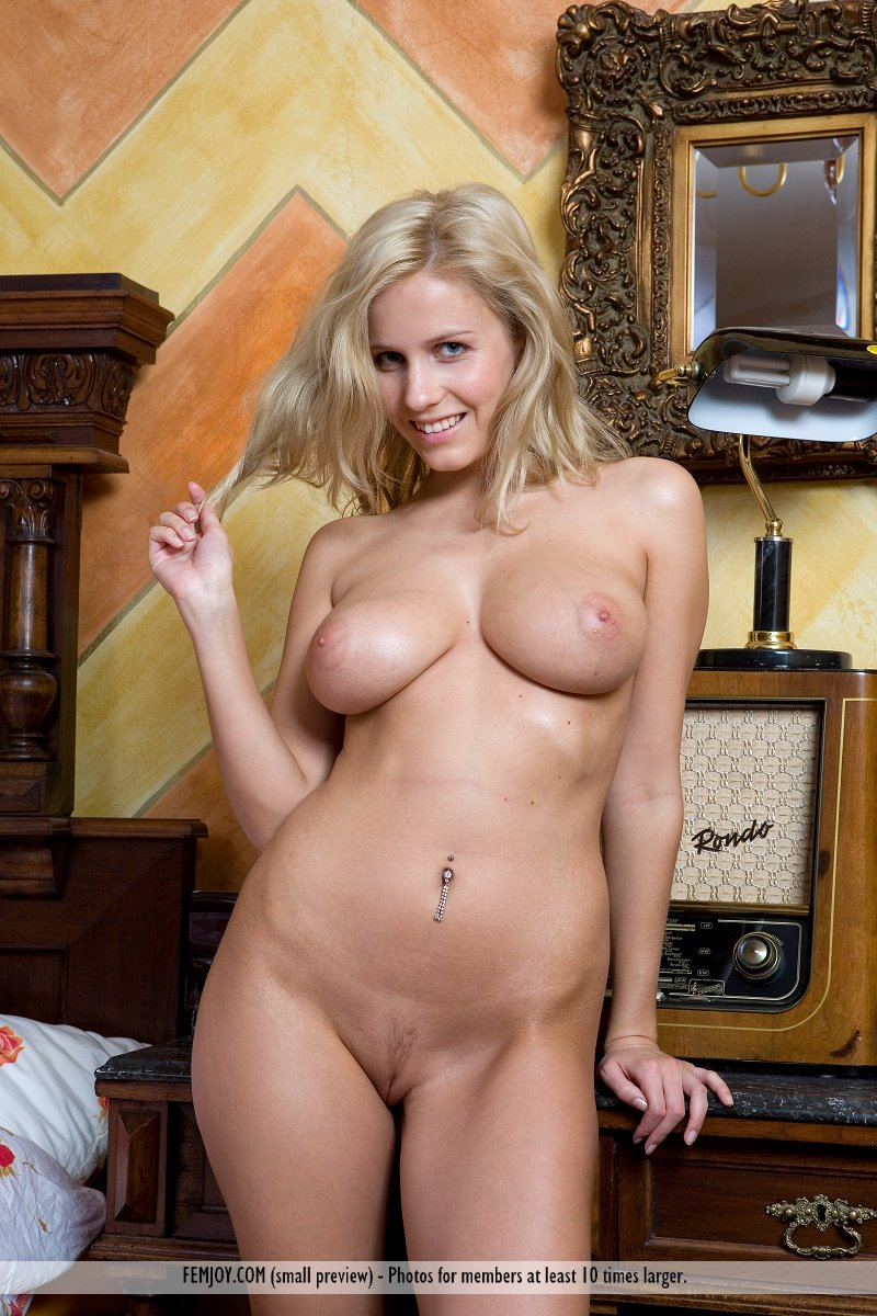 Naked keira moon