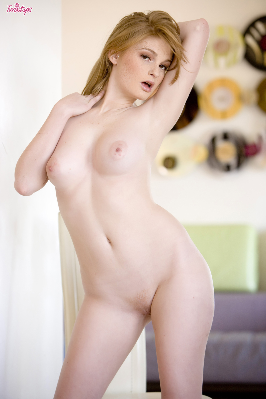 naked pussy in office