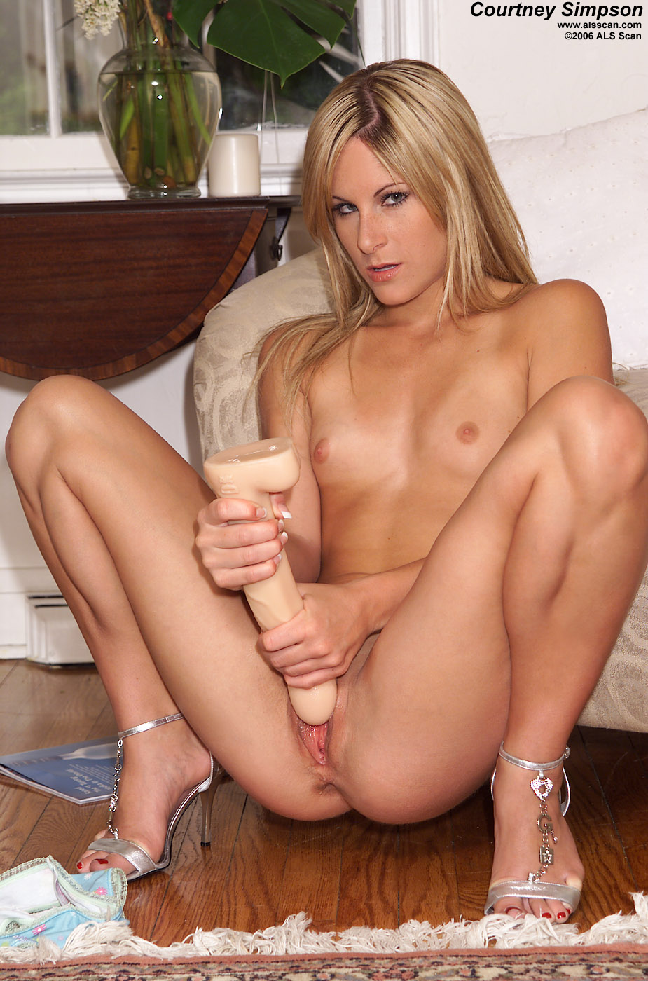 courtney simpson pussy