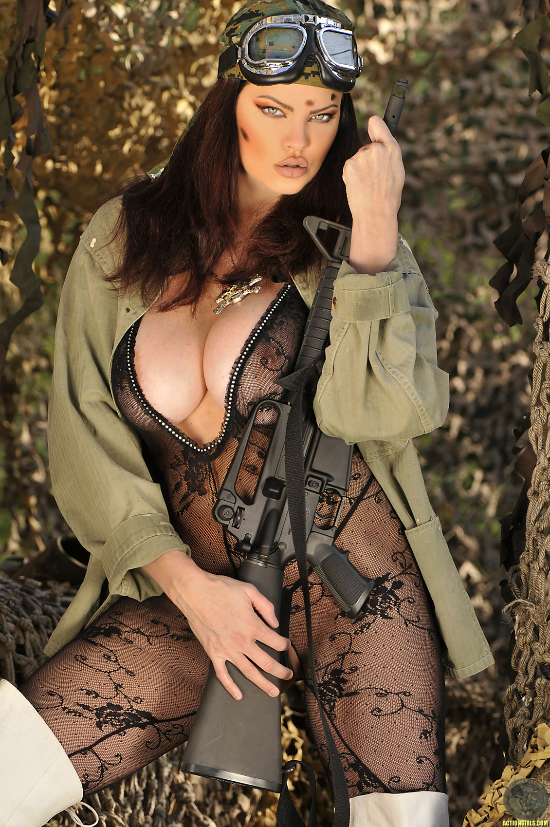 Strapon Couple Busty Babes With Guns