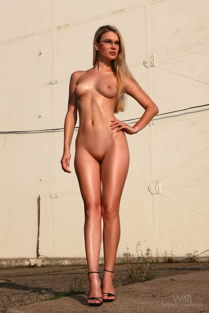 Long legged blonde nude what