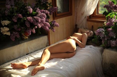 Konstansija A Tanzi posing in bedroom