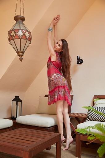 willowy Leona Mia takes her dress off